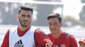 Asaltaron a Özil y lo salvó un compañero