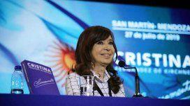 Cristina y el consumo en crisis: ¿Los hijos del Presidente toman leche que no es leche?