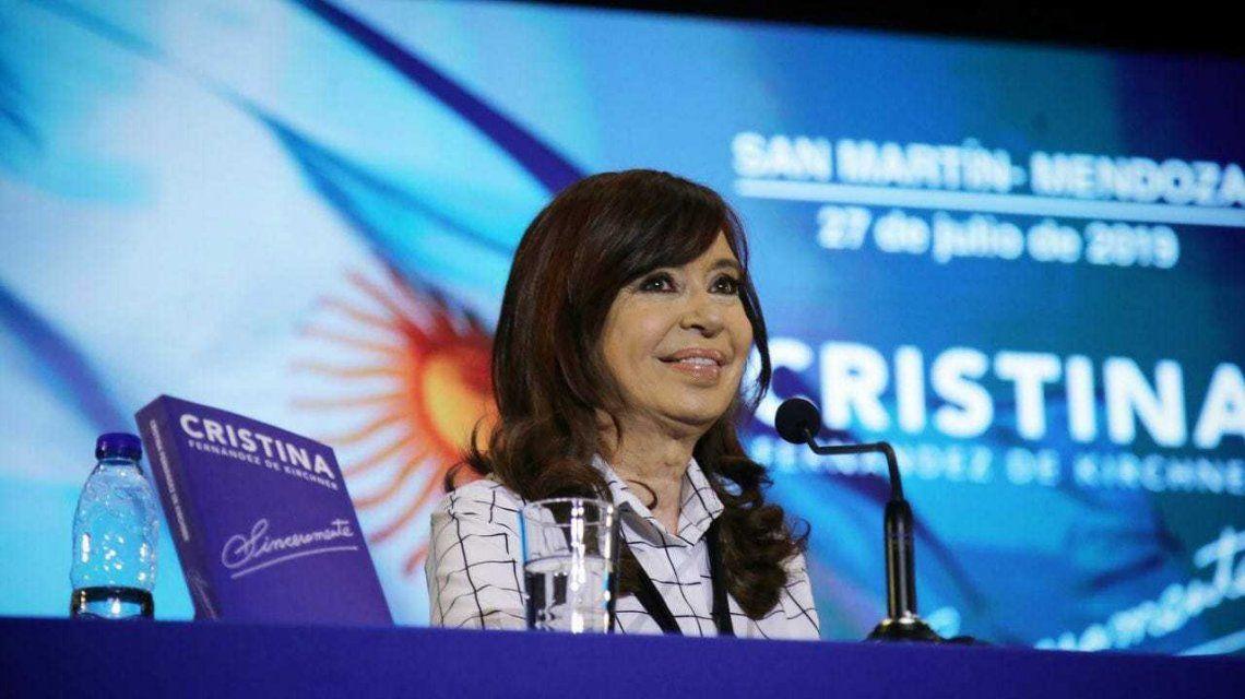 Cristina y el cambio de hábitos por la crisis: ¿Los hijos del Presidente deben tomar leche que no es leche?