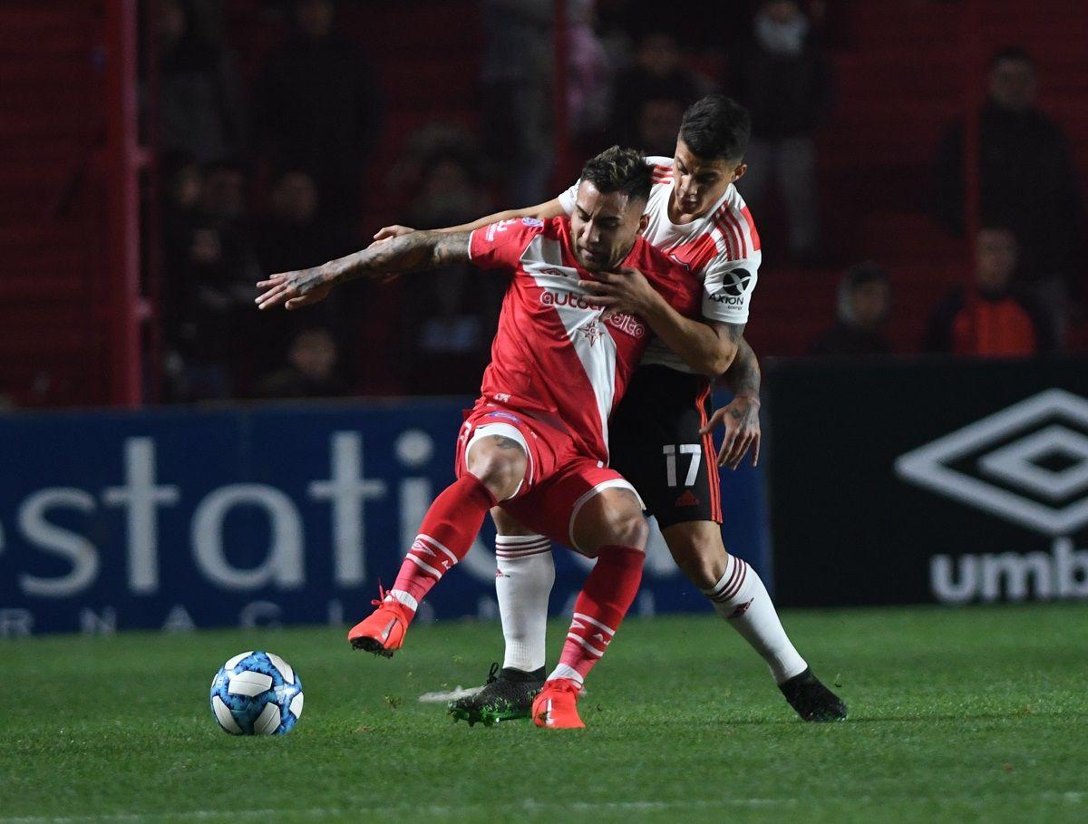 Con la cabeza en la Libertadores, River empató con Argentinos