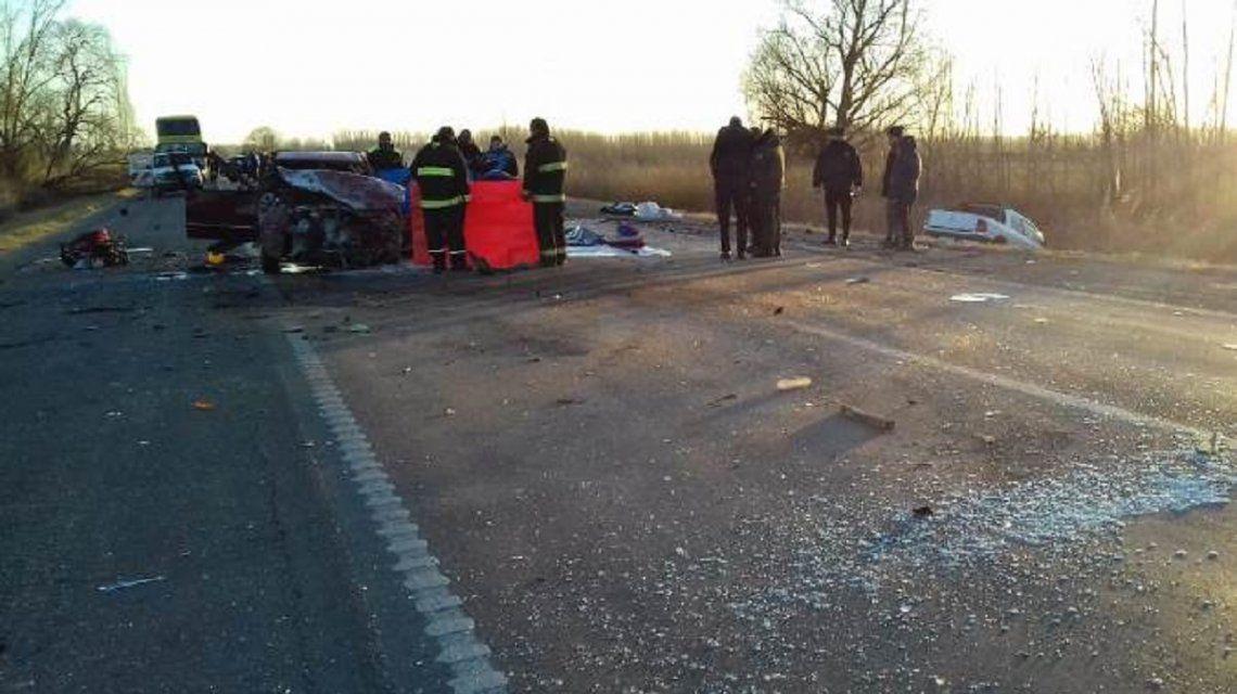 Mendoza: dos muertos y cinco heridos por un choque frontal sobre la ruta 40