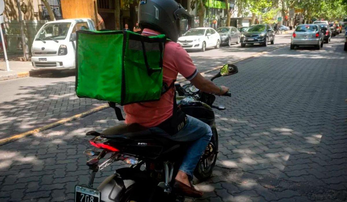 Colegiales: atropellaron a un delivery y la empresa sólo se preocupó por el pedido