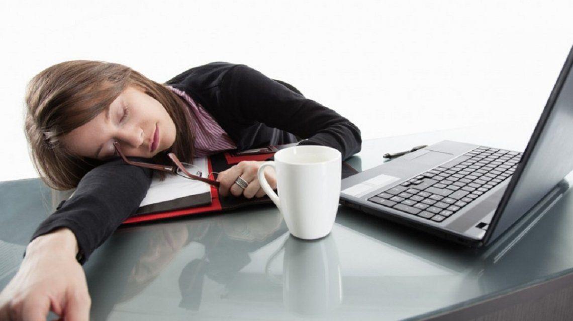 Más del 40% de los trabajadores sufre de agotamiento laboral