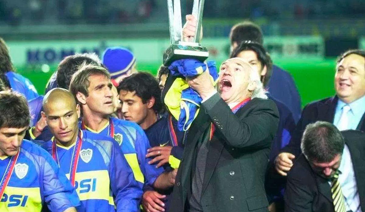 Raúl Cascini junto a Carlos Bianchi en 2003