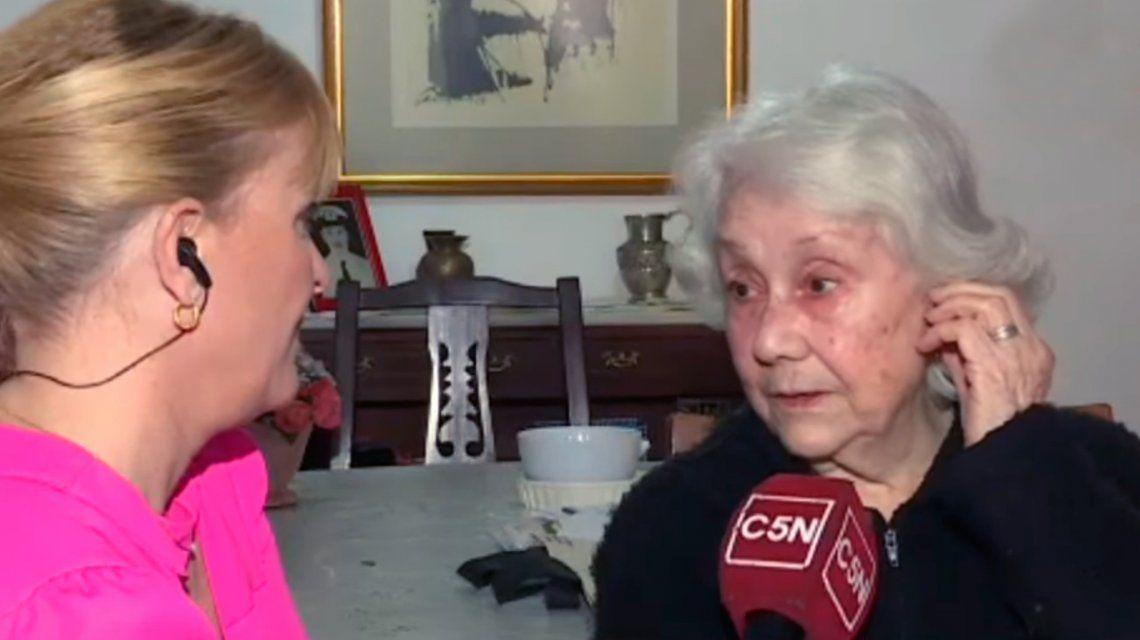 Estafaron a una jubilada de 88 años con el cuento del tío y le robaron 50 mil dólares