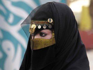 por primera vez, las mujeres de arabia saudita van a poder salir del pais sin permiso de los hombres