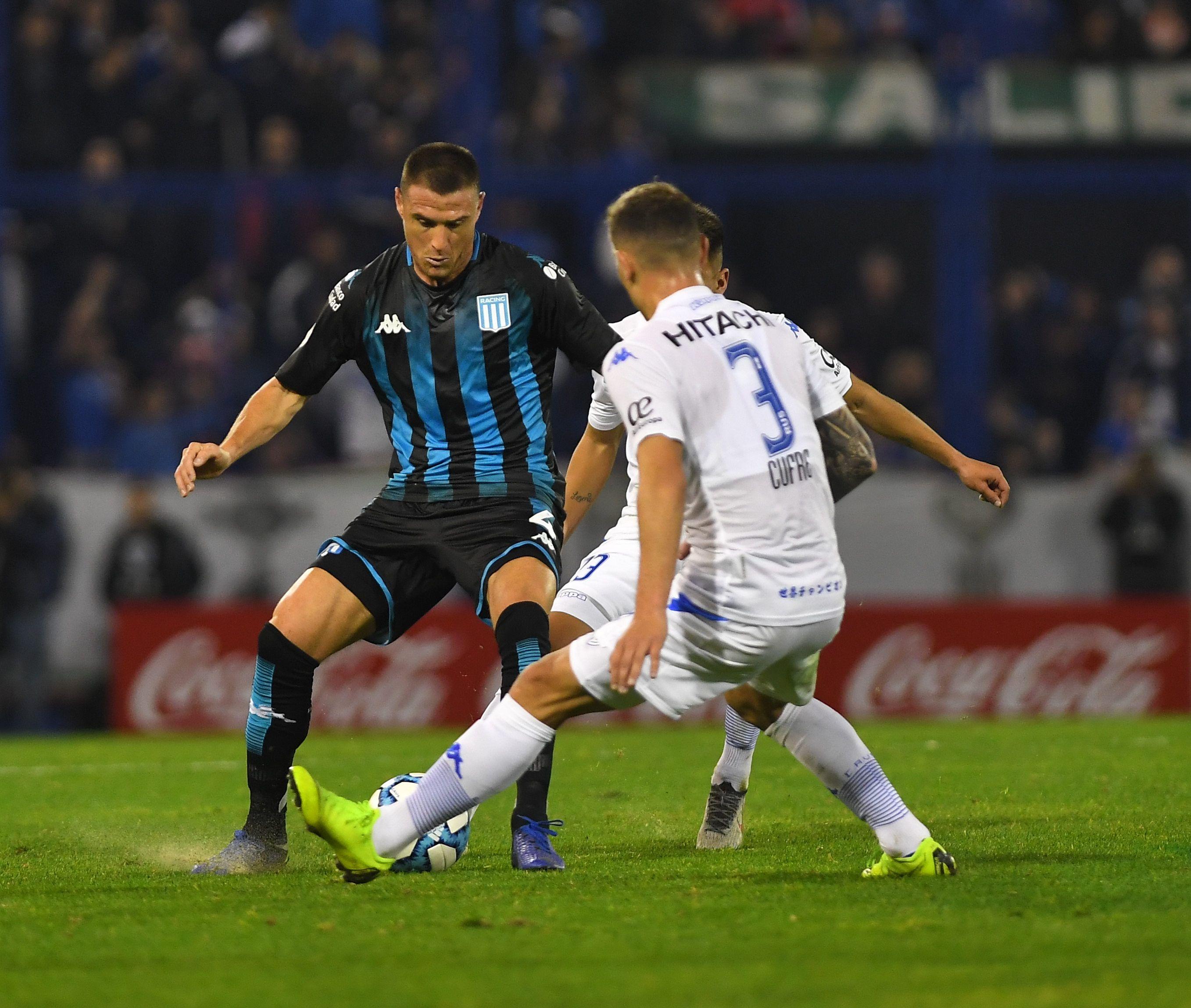 Racing luchó y logró el empate ante Vélez en los últimos minutos