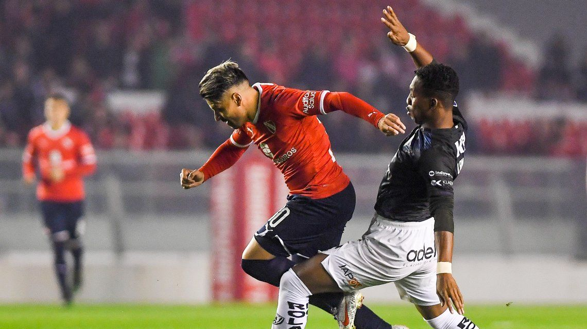 El Rojo se recuperó del VAR y le ganó a Independiente del Valle en Avellaneda