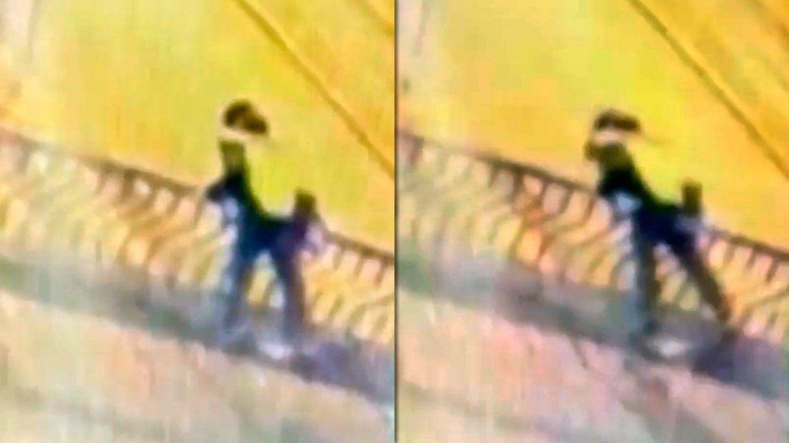 Perú: una pareja cayó al vacío mientras se besaba en un puente y murió