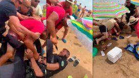Tremenda pelea en una playa de España terminó con un policía apuñalado