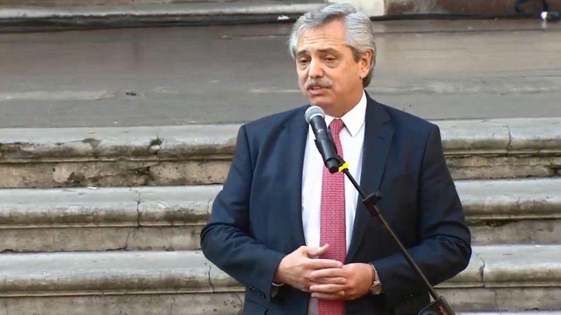 Alberto Fernández firmó un compromiso federal con gobernadores y candidatos