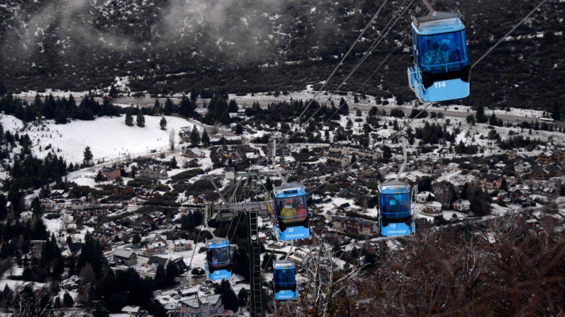 Bariloche: evacuaron a esquiadores y peatones en el cerro Catedral por un problema mecánico
