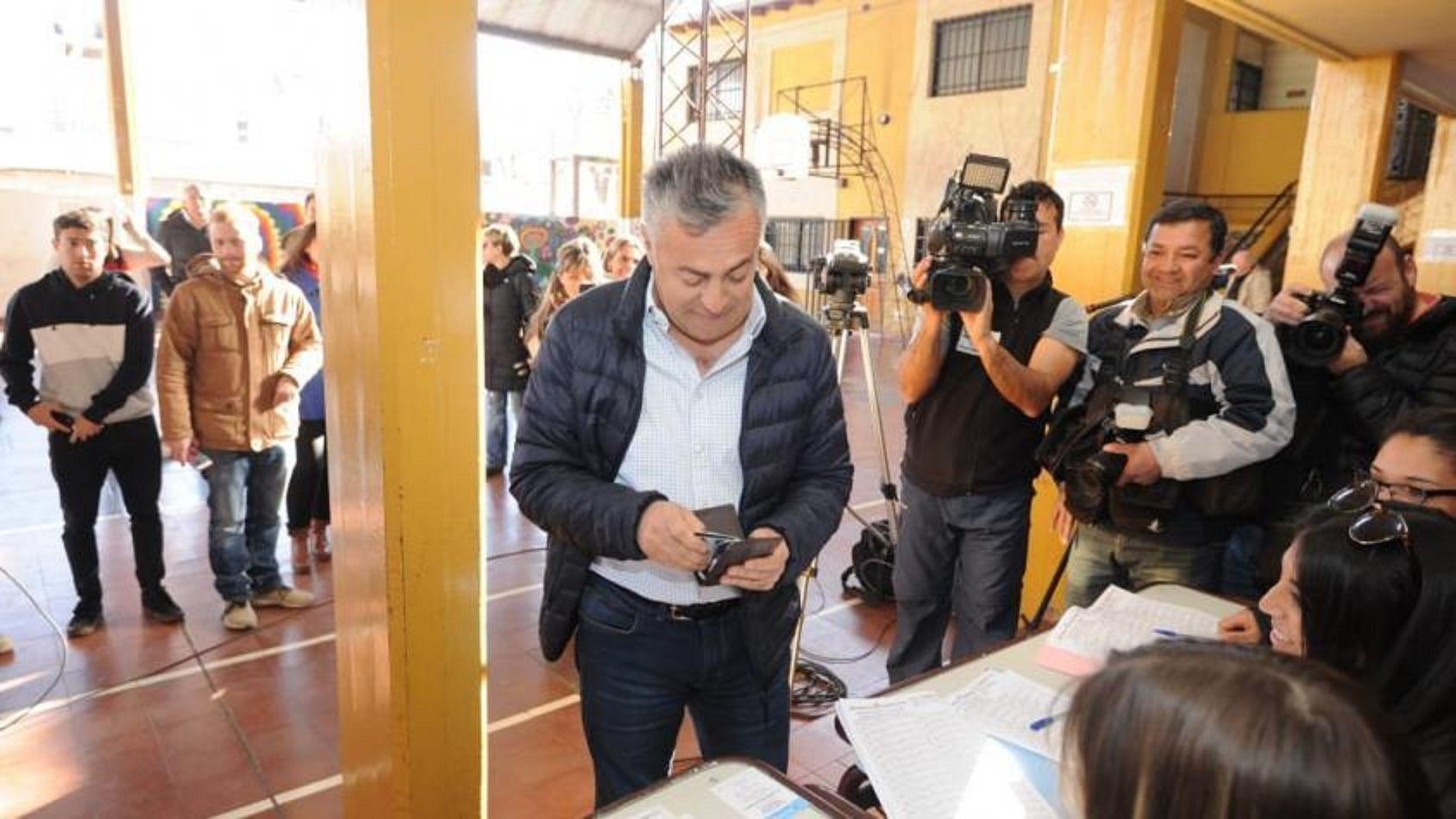 Alfredo Cornejo no tenía el DNI al momento de votar. Foto:mdzol.com