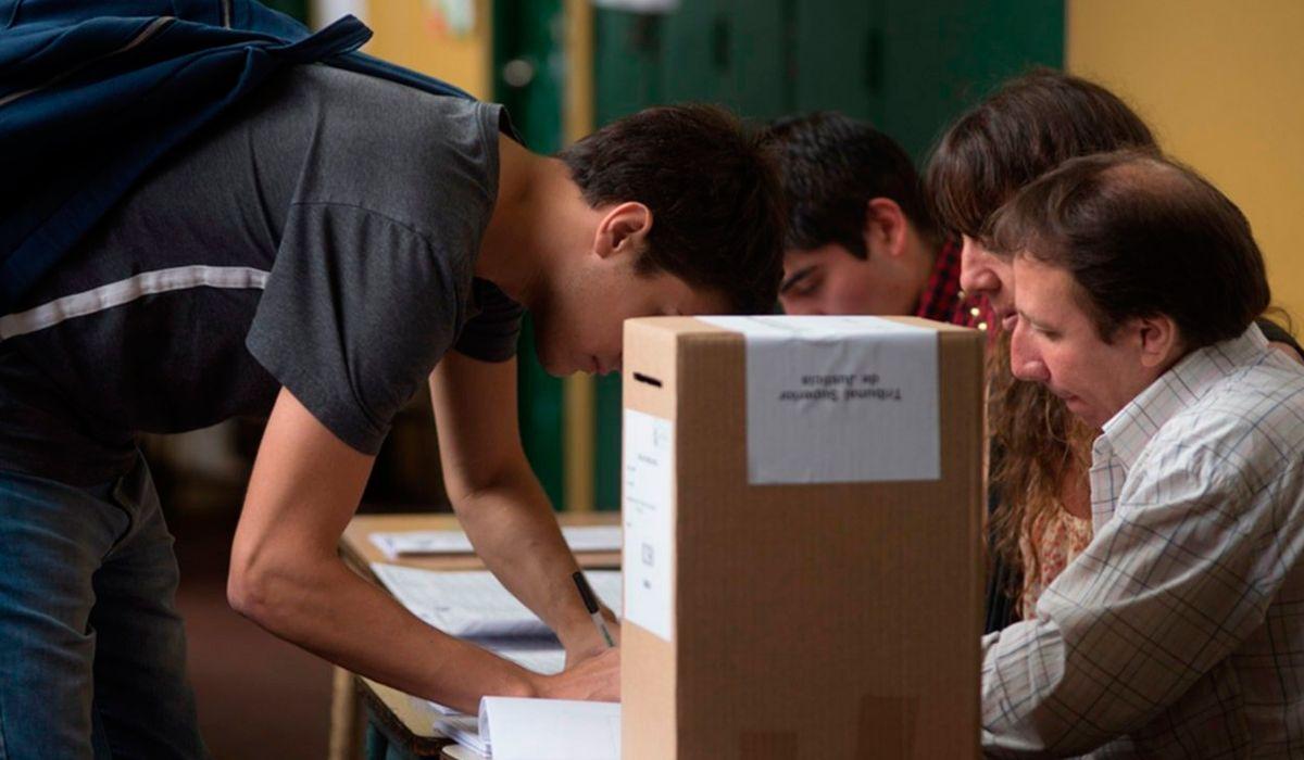 Voto joven: Vengo convencido, me fijé la postura de cada uno y voté