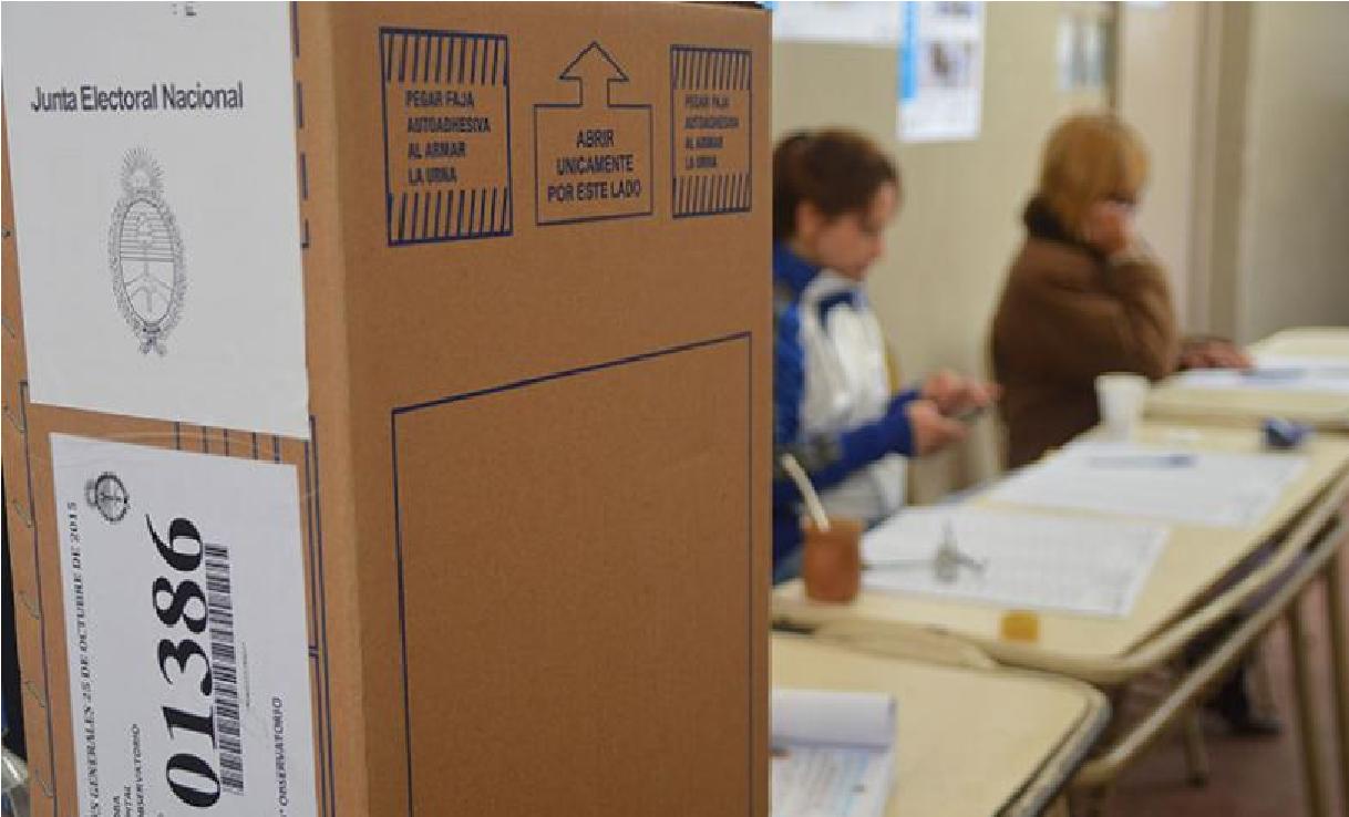 Detienen a un prófugo por homicidio cuando acompañaba a su novia a votar en las PASO