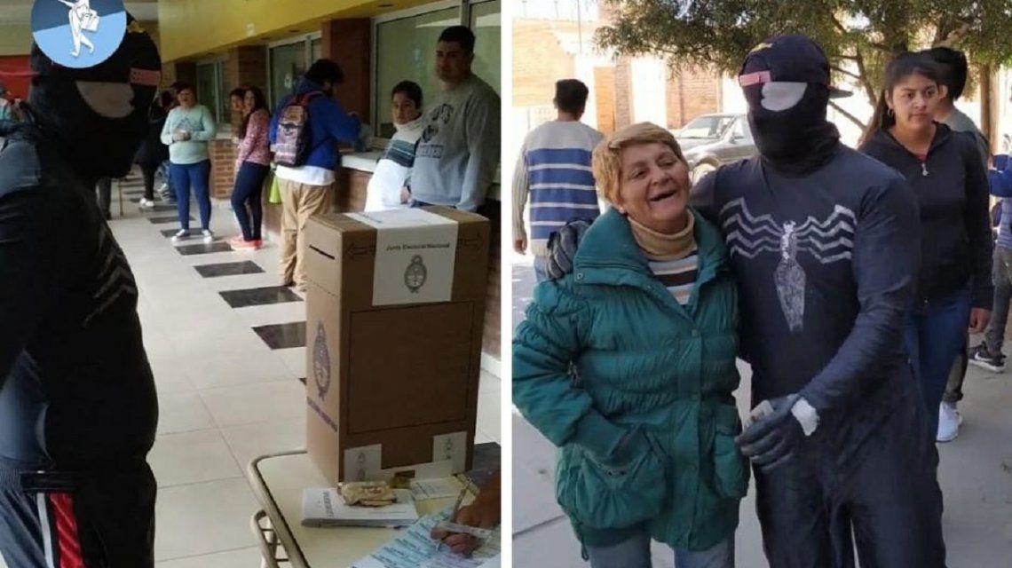 Elecciones PASO 2019: El Hombre Araña votó en Santiago del Estero