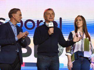 papelon del gobierno: macri admitio la derrota y mando a dormir a los argentinos