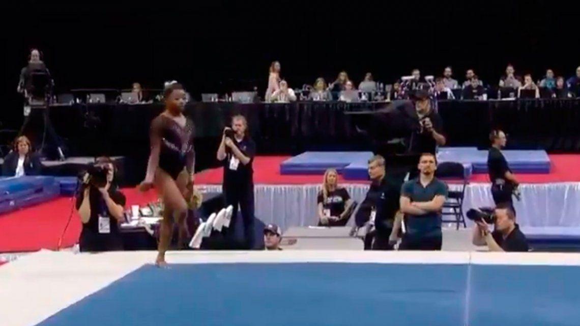 Simone Biles desafió a la gravedad e hizo una pirueta nunca antes vista en la gimnasia artística