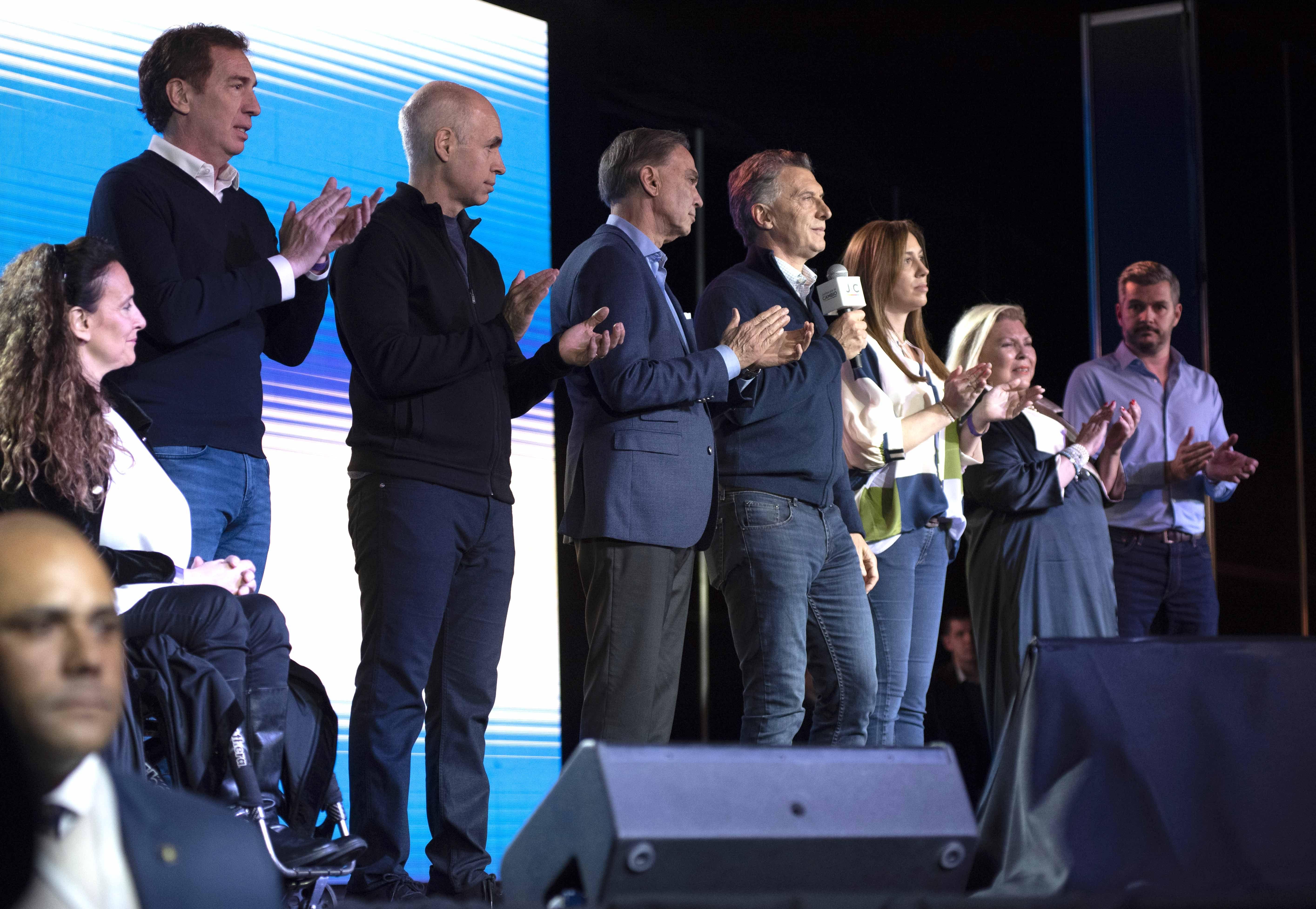 Macri se reúne con su Gabinete en Casa Rosada tras la derrota en las PASO