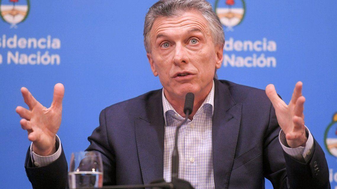 La salida de Dujovne, otra marcha atrás: el lunes Macri descartaba cambios en el Gabinete
