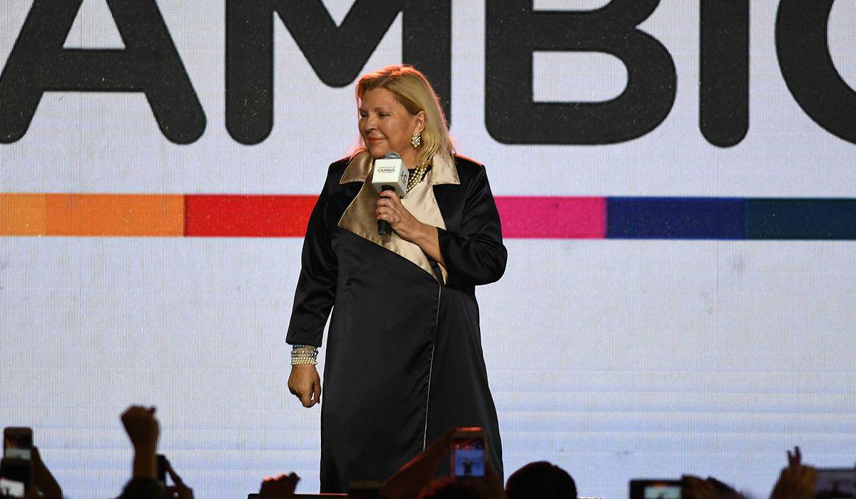 Carrió propone un feminismo alternativo para ser reina e inútil