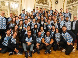 en medio de la disparada del dolar, macri recibio a los atletas argentinos que compitieron en los juegos panamericanos