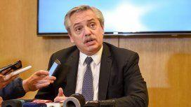 Alberto Fernández en su oficina