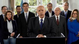 Lavagna suspende la campaña y pidede inmediato renegociar el crédito con el FMI
