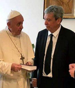 Financial Times afirma que el Papa Francisco alentó la reconciliación de Alberto y Cristina