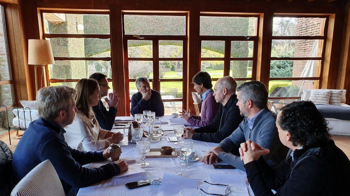 Sin margen para nuevas medidas de alivio ni para perder más votos, Macri estrena ministro de Hacienda