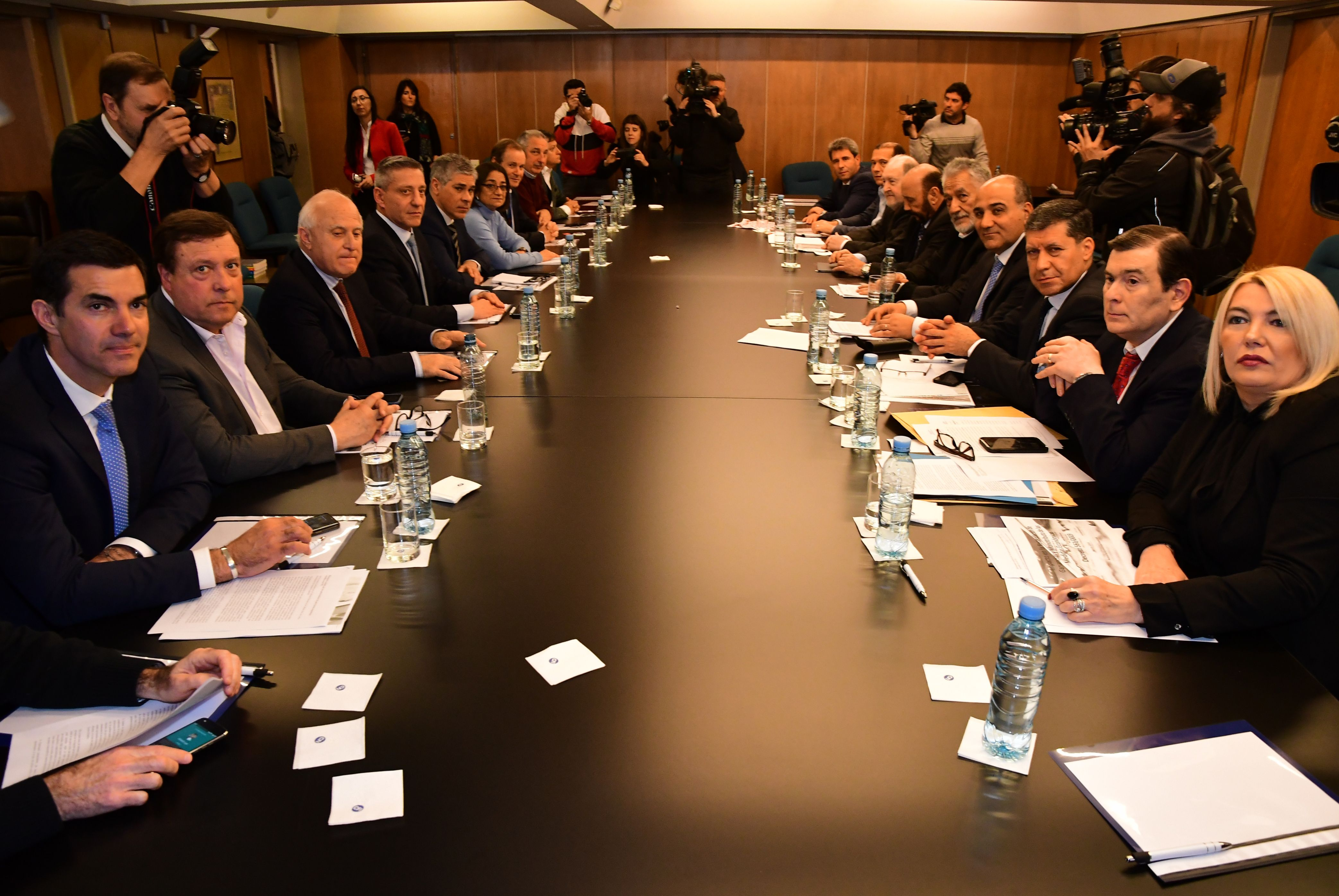 Las provincias apelaron a la Corte por el decreto de Macri para bajar impuestos