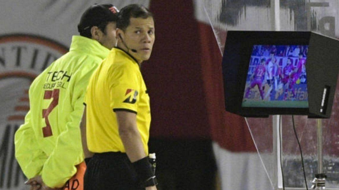 Se filtró el audio del VAR antes del primer penal para River frente a Cerro Porteño
