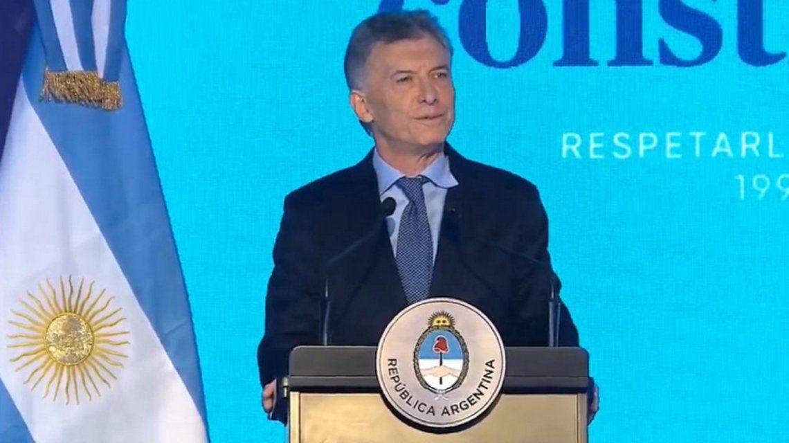 Macri encabezó en Santa Fe el acto por los 25 años de la reforma constitucional