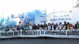 Bono de 5 mil pesos para estatales, con excepciones: dejan afuera a los docentes universitarios