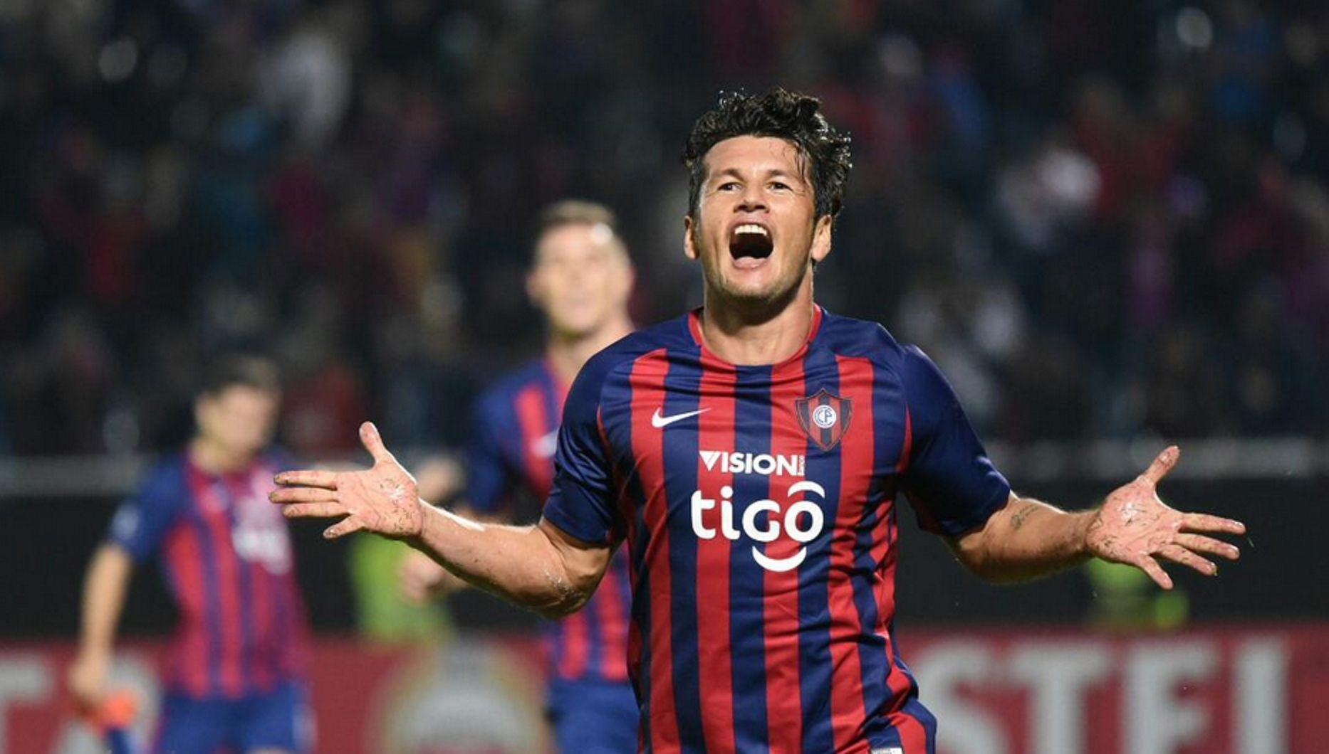 Con un golazo de De la Cruz, River empató ante Cerro Porteño y habrá semifinal con Boca
