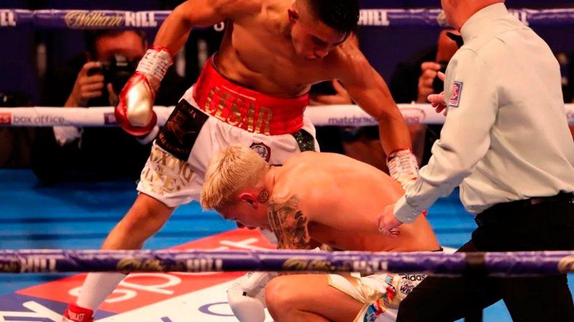 Boxeo: Ramírez ganó por KO pero fue campeón sólo unos segundos