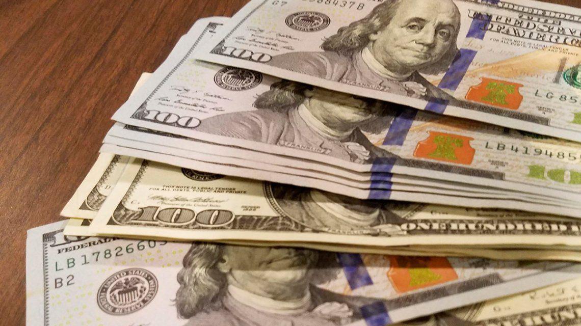 El dólar vuelve a subir tras el regreso del control de cambios decretado por Macri