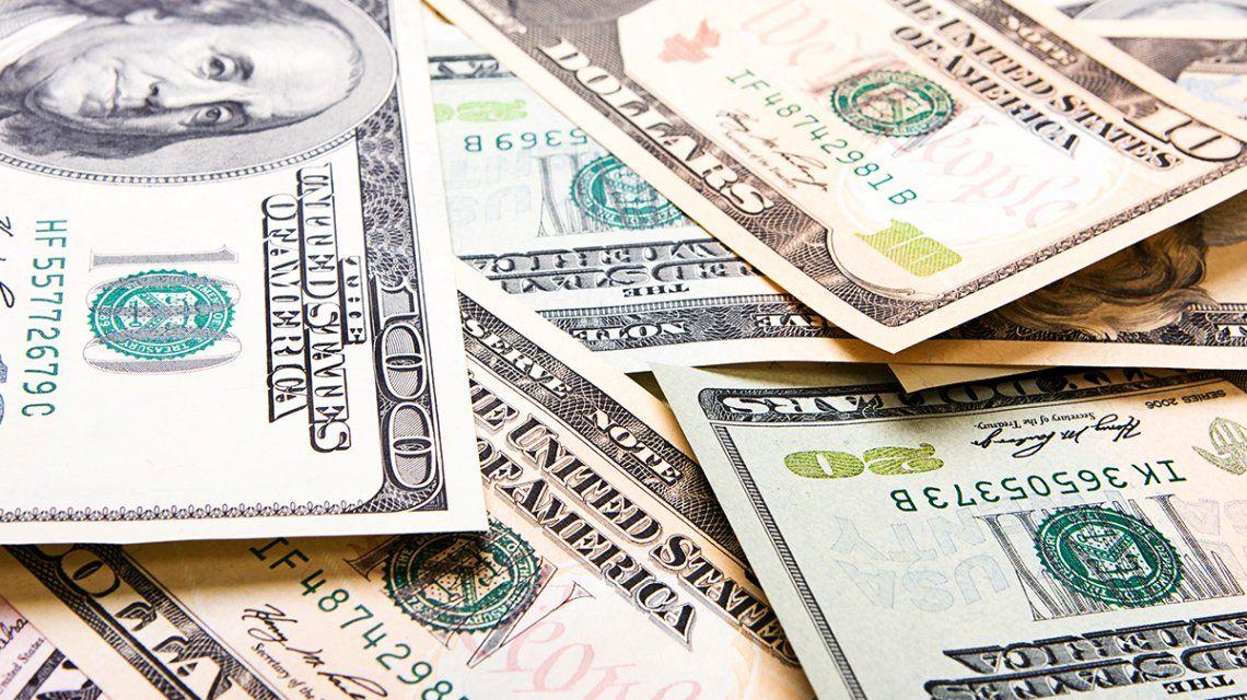El dólar sigue en alza durante la segunda semana con control de cambios
