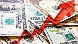El dólar subió otros 28 centavos y cerró a 59