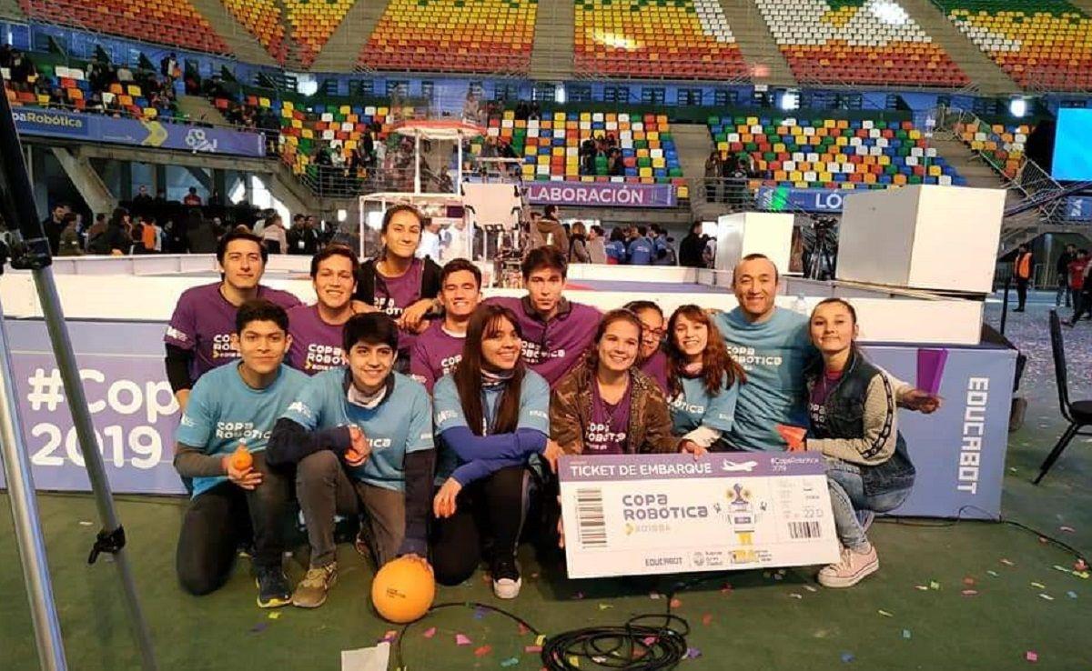 El equipo misionero ganó la Copa Robótica y viajará al Mundial de Dubai
