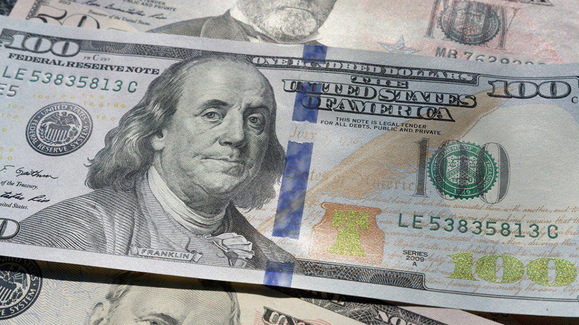 El dólar se desplomó por debajo de los $63: el Banco Central evitó una caída mayor