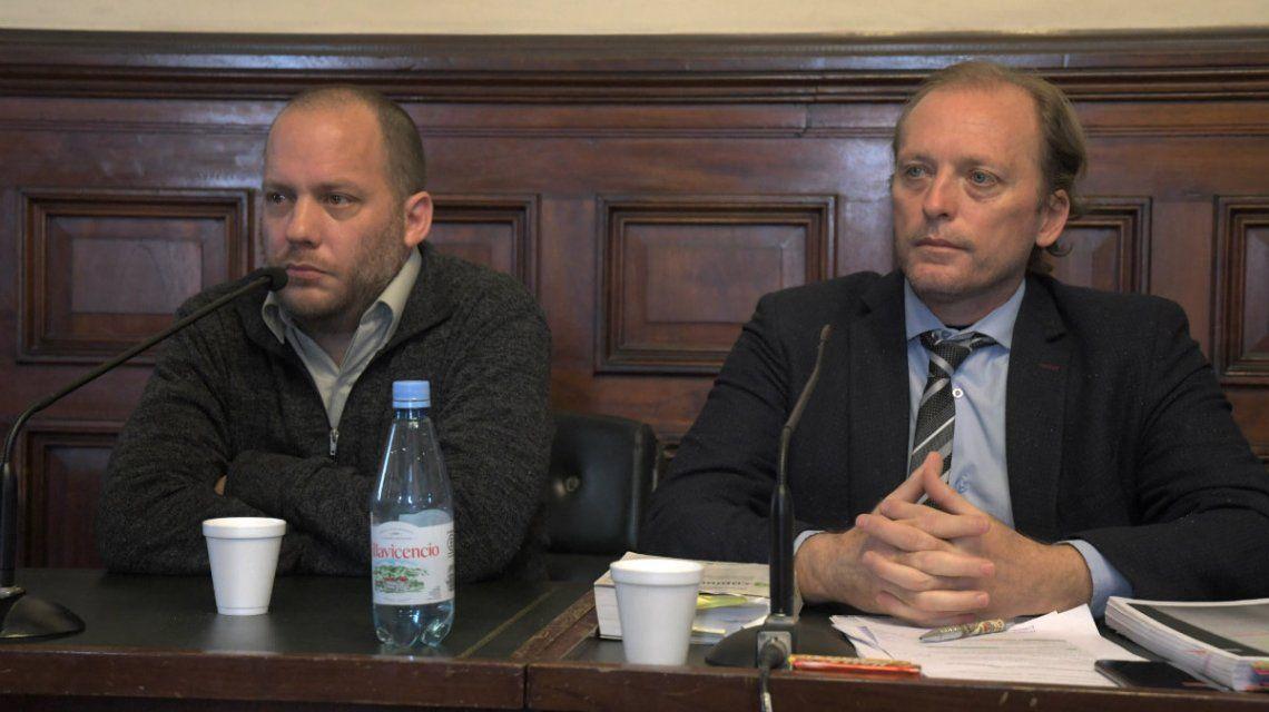 Carrasco (izquierda de la iagen) y su abogado