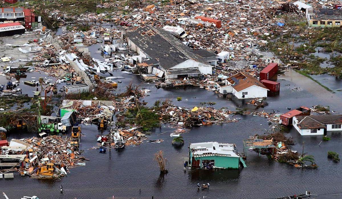 El huracán Dorian se debilitó a categoría 1, pero dejó un saldo escalofriante en Bahamas: 30 muertos