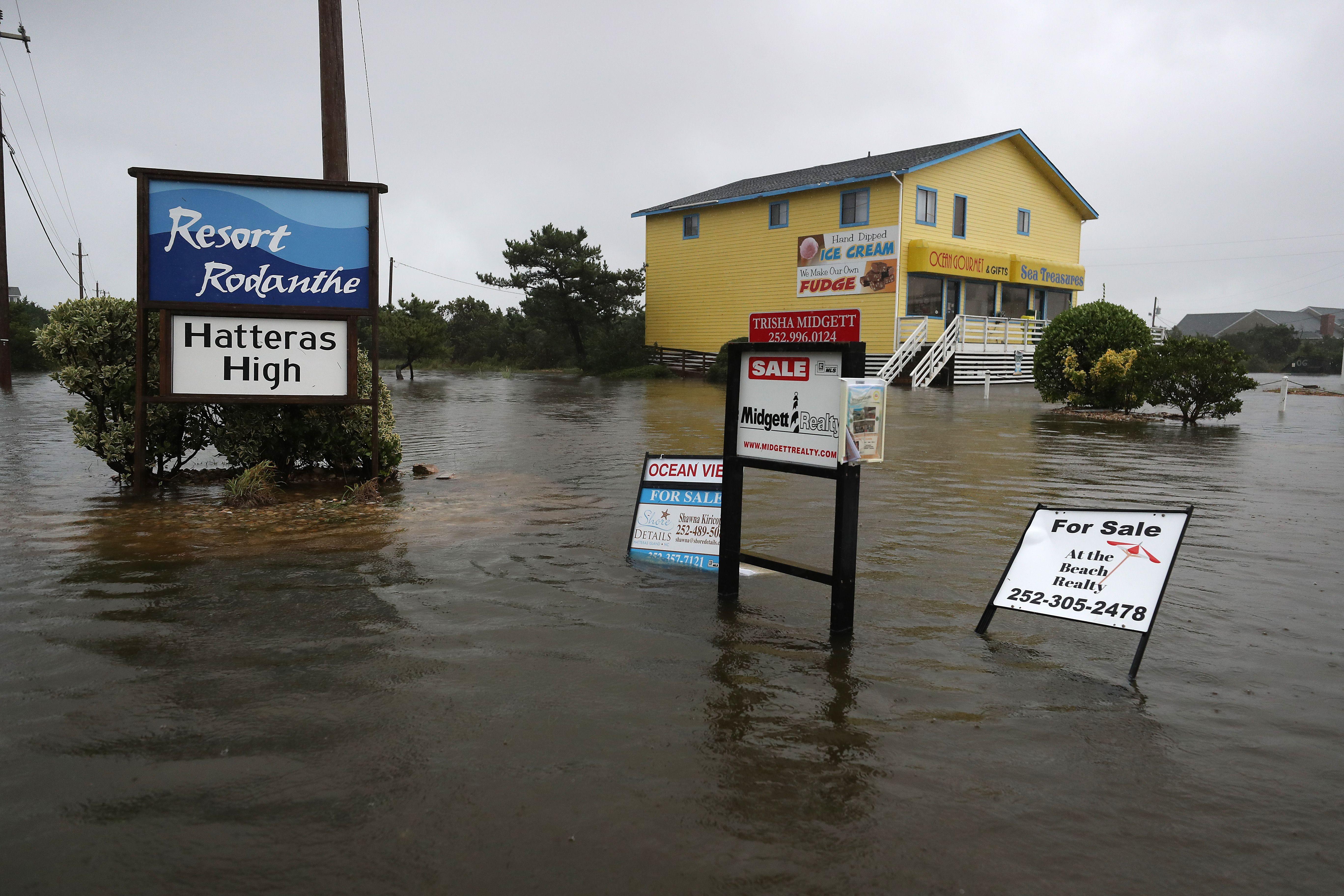 El huracán Dorian dejó atrapadas a 800 personas en una isla de Estados Unidos