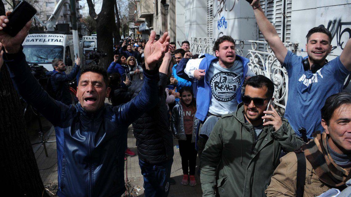 El boom Maradona: más de 2 mil personas aguardan para asociarse en Gimnasia