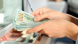 El Gobierno endurece el cepo tras la derrota de Macri: se podrán comprar hasta US$200