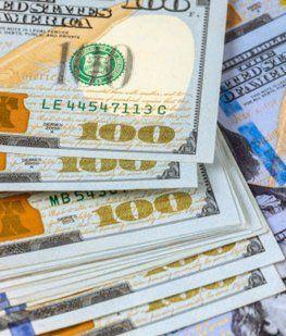 El dólar anotó su décima suba consecutiva y ya roza los $61