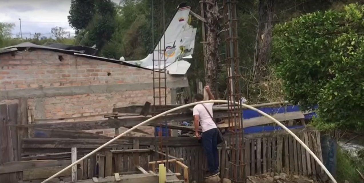 Una avioneta cayó en Colombia y hay al menos siete muertos