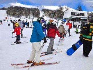 Mil cuatrocientos estudiantes afectados por un brote de gastroenteritis en Bariloche