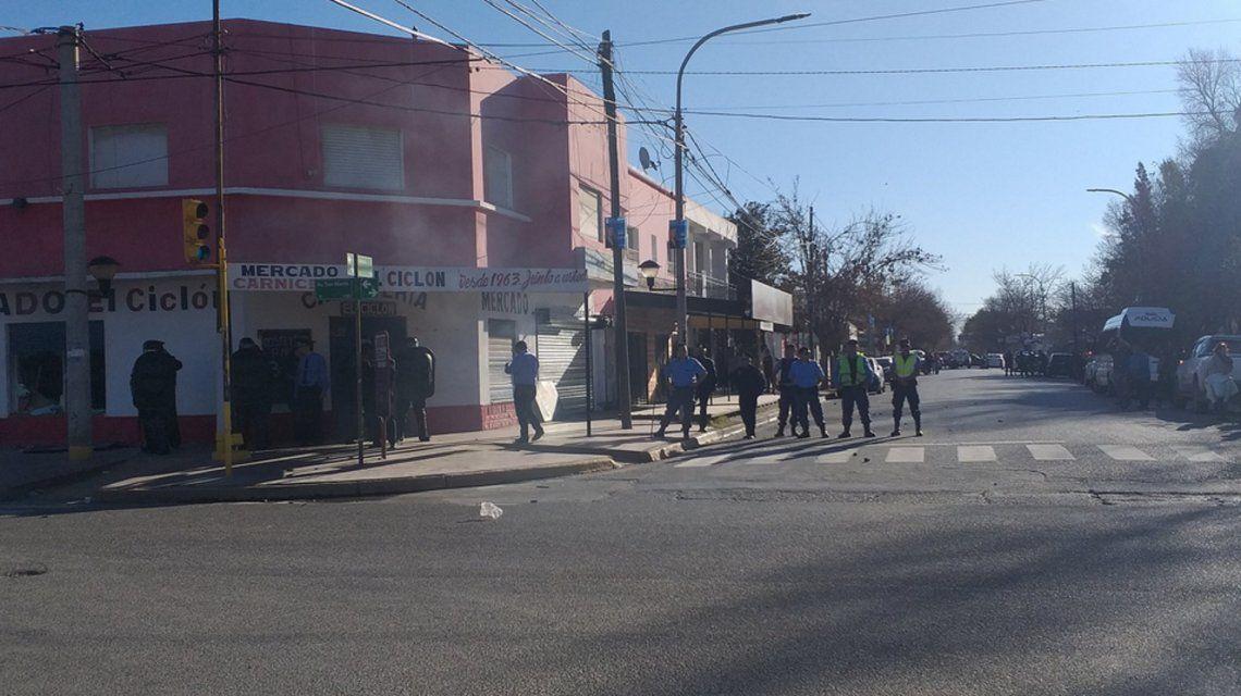 Incidentes en Plottier: atacaron el comercio de un supuesto sospechoso por el femicidio de Cielo López